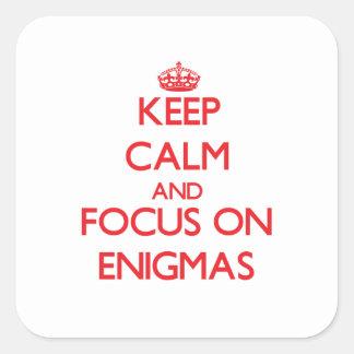Guarde la calma y el foco en ENIGMAS Colcomanias Cuadradas