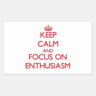 Guarde la calma y el foco en entusiasmo rectangular pegatina