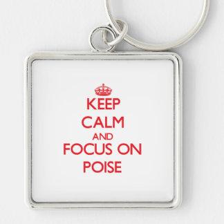 Guarde la calma y el foco en equilibrio llavero personalizado