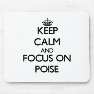 Guarde la calma y el foco en equilibrio alfombrillas de raton