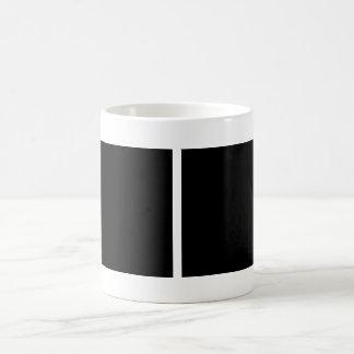 Guarde la calma y el foco en escalones tazas de café