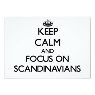 Guarde la calma y el foco en escandinavos invitación 12,7 x 17,8 cm