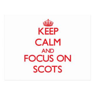 Guarde la calma y el foco en escocés postales