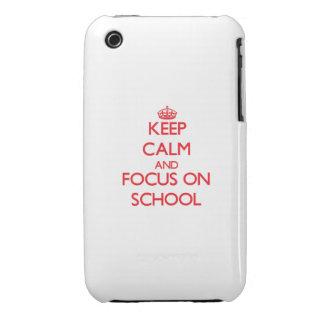 Guarde la calma y el foco en escuela iPhone 3 Case-Mate carcasas