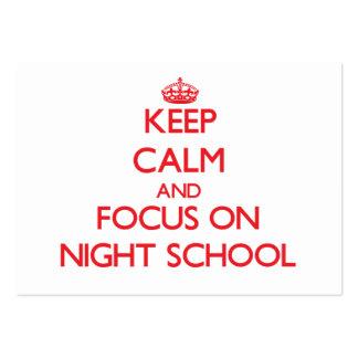 Guarde la calma y el foco en escuela nocturna tarjetas de negocios