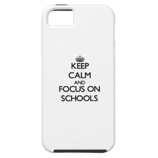 Guarde la calma y el foco en escuelas iPhone 5 funda