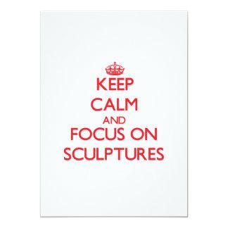 Guarde la calma y el foco en esculturas invitación 12,7 x 17,8 cm
