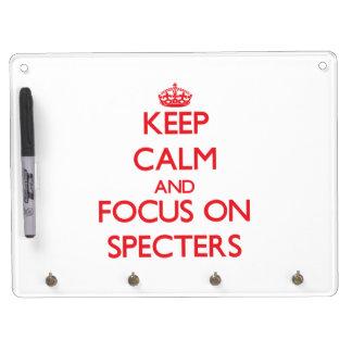 Guarde la calma y el foco en espectros tableros blancos