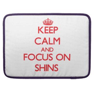 Guarde la calma y el foco en espinillas fundas macbook pro