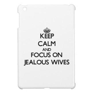Guarde la calma y el foco en esposas celosas