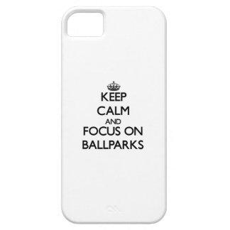 Guarde la calma y el foco en estadios de béisbol iPhone 5 cárcasa
