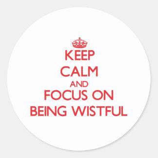 Guarde la calma y el foco en estar anhelante