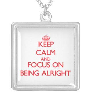 Guarde la calma y el foco en ESTAR BIEN Pendiente Personalizado