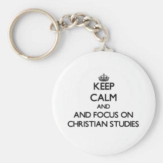 Guarde la calma y el foco en estudios cristianos llaveros personalizados
