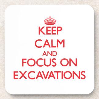 Guarde la calma y el foco en EXCAVACIONES