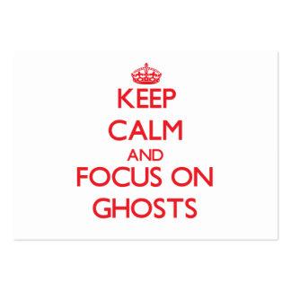 Guarde la calma y el foco en fantasmas tarjetas de visita grandes
