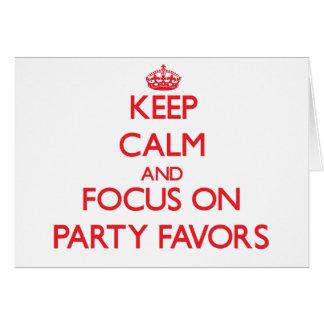 Guarde la calma y el foco en favores de fiesta felicitacion