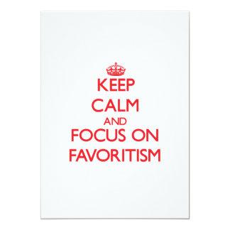 """Guarde la calma y el foco en Favoritism Invitación 5"""" X 7"""""""