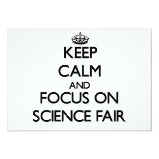 Guarde la calma y el foco en feria de ciencia invitación 12,7 x 17,8 cm