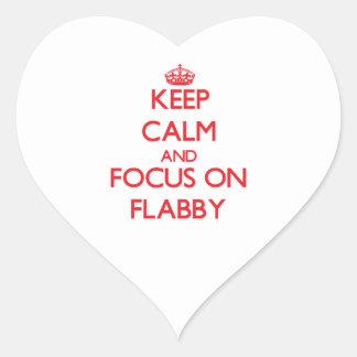 Guarde la calma y el foco en flácido colcomanias de corazon