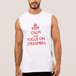 Guarde la calma y el foco en flámulas camiseta sin mangas