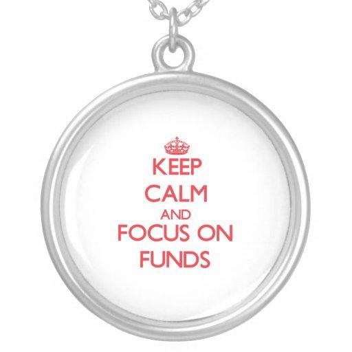 Guarde la calma y el foco en fondos grimpolas