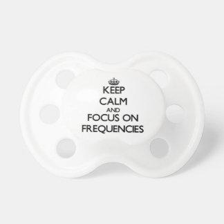 Guarde la calma y el foco en frecuencias chupetes