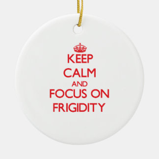 Guarde la calma y el foco en frigidez ornamentos de navidad