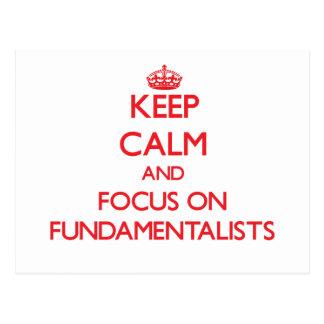 Guarde la calma y el foco en fundamentalistas tarjetas postales
