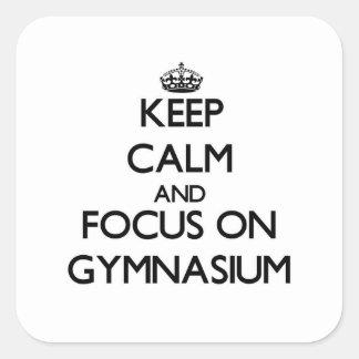 Guarde la calma y el foco en gimnasio colcomanias cuadradas personalizadas