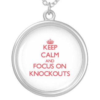 Guarde la calma y el foco en golpes de gracia grimpola personalizada