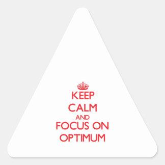 Guarde la calma y el foco en grado óptimo pegatina triangular