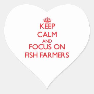 Guarde la calma y el foco en granjeros de los calcomanía corazón
