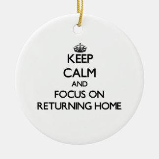 Guarde la calma y el foco en hogar de vuelta adornos de navidad