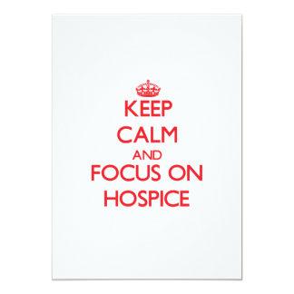 """Guarde la calma y el foco en hospicio invitación 5"""" x 7"""""""