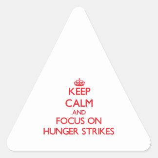 Guarde la calma y el foco en huelgas de hambre calcomania triangulo