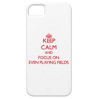Guarde la calma y el foco en incluso terrenos de j iPhone 5 cárcasa