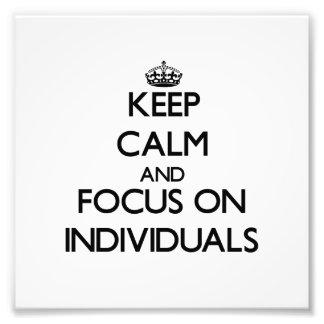 Guarde la calma y el foco en individuos cojinete