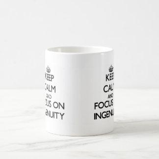 Guarde la calma y el foco en ingeniosidad tazas de café