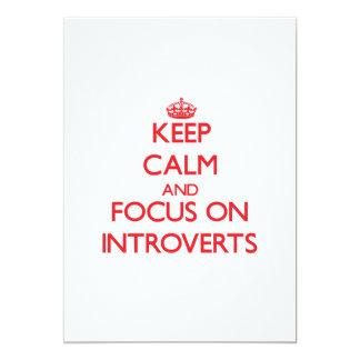 Guarde la calma y el foco en Introverts Invitación 12,7 X 17,8 Cm