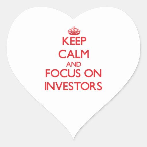 Guarde la calma y el foco en inversores calcomania corazon