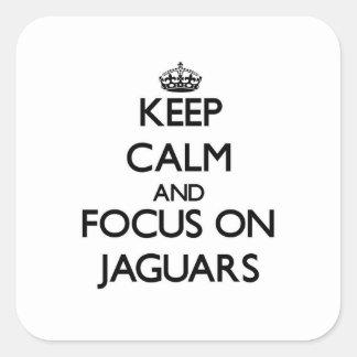 Guarde la calma y el foco en jaguares pegatina cuadrada