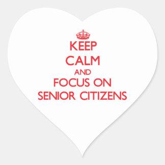 Guarde la calma y el foco en jubilados colcomanias de corazon personalizadas