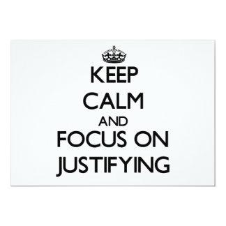 Guarde la calma y el foco en justificar invitación 12,7 x 17,8 cm
