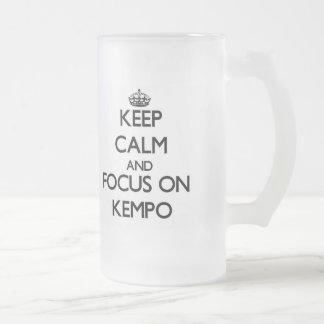 Guarde la calma y el foco en Kempo Taza De Café