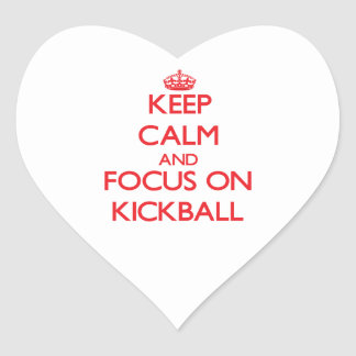 Guarde la calma y el foco en Kickball Calcomanía Corazón Personalizadas
