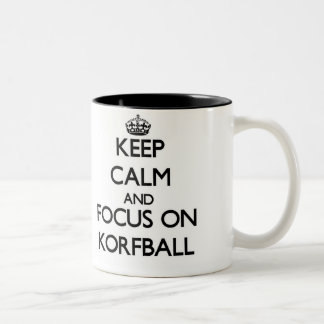 Guarde la calma y el foco en Korfball Tazas De Café