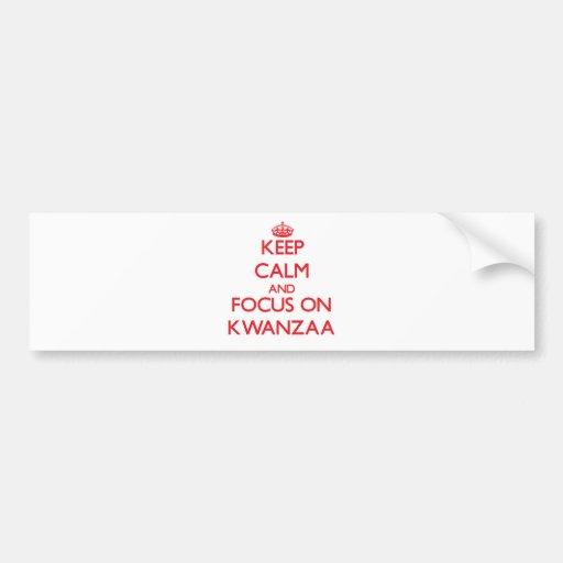 Guarde la calma y el foco en Kwanzaa Pegatina De Parachoque