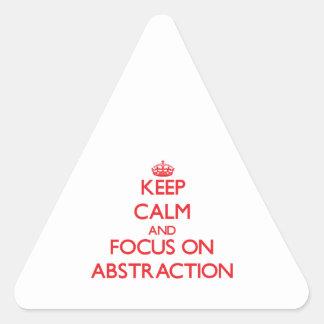 Guarde la calma y el foco en la ABSTRACCIÓN Pegatina Triangular