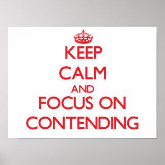 Guarde la calma y el foco en la afirmación poster
